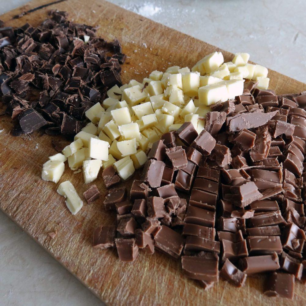 Čokoláda na kostičky připravená do cookies