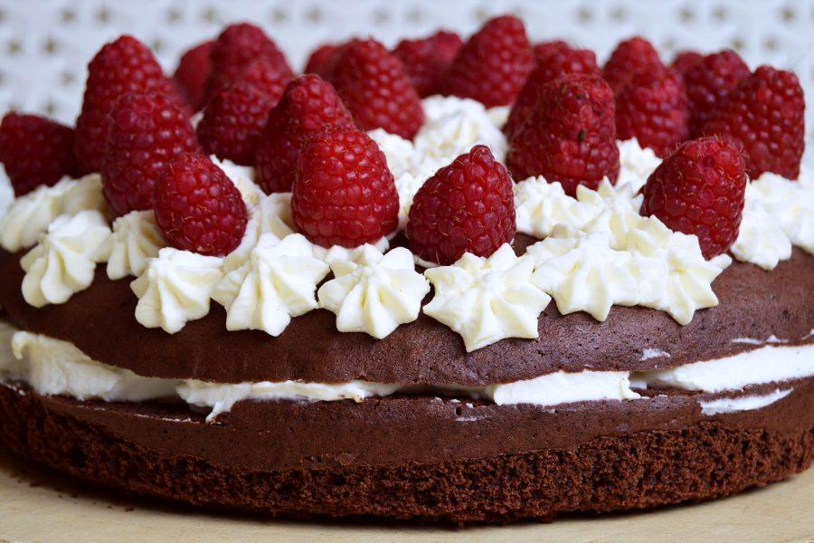 Čokorál - čokoládový dort s malinami a krémem z marcarpone - recept