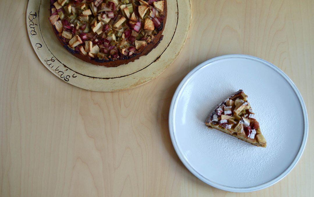 Rebarborový koláč ze žitné mouky - recept